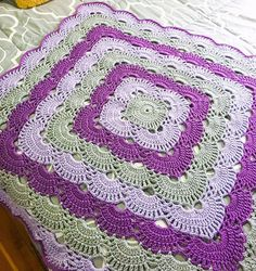 Crochet Afghans Patterns Free pattern for crochet infant blanket How to make a Crochet blanket blanket handmade is a special gift for any baby. Crochet Afghans, Motifs Afghans, Crochet Quilt, Afghan Crochet Patterns, Crochet Squares, Crochet Home, Baby Blanket Crochet, Crochet Crafts, Crochet Stitches