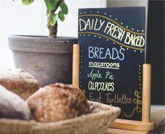 Markere cu creta lichida – Liquid Chalk Markers 3 Liquid Chalk Markers, Breakfast Menu, Fresh Bread, Chalkboard Art, Freshly Baked, Macaroons, Bread Baking, Stencil, Place Card Holders