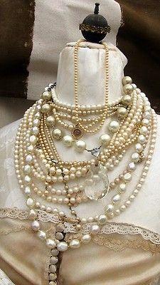 missingsisterstill:    Pearl necklaces