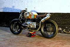 Inazuma café racer: BMW R1000
