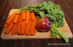 Simple and Tasty Kale Juice Recipe Ingredients: 3 medium carrots 1 medium to big apple 2 stalks celery 3 cups of kale Kale Juice Recipes, Juicer Recipes, Raw Food Recipes, Healthy Recipes, Recipes Dinner, Dinner Ideas, Healthy Juices, Healthy Drinks, Healthy Snacks