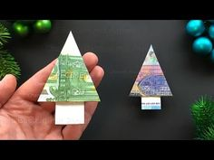 Money folding: Christmas tree Origami christmas tree Geldscheine falten We Origami Christmas Tree, Unique Christmas Trees, Alternative Christmas Tree, Christmas Tree Crafts, Wooden Christmas Trees, Christmas Tree Decorations, Christmas Crafts, Don D'argent, Christmas Tumblr