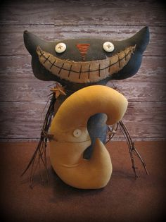 Extreme Primitive Harvest Moon Cat Halloween Decor by ThatSallie, $25.00........oh, oh, that smile needs a top knot of pins!