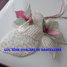 This Pin was discovered by Sel Needle Lace, Bobbin Lace, Thread Crochet, Crochet Lace, Crochet Unique, Types Of Lace, Knitted Flowers, Point Lace, Tatting Lace