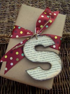 this whole blog has nothing but creative ways to decorate packages. by niceonetwo