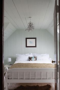 Pretty cottage bedroom in a Scottish croft with wooden panelling painted in soot. Farrow Ball, Interior Walls, Interior And Exterior, Garage Exterior, Farrow And Ball Bedroom, Childrens Room, Wimborne White, Paint Shades, Bedroom Pictures