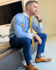 Mens Fashion Suits, Mens Suits, Mens Braces, Sheer Socks, Classic Suit, Herren Outfit, Blonde Guys, Looking Dapper, Business Outfit