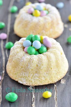 Easter Budnt Cakes Recipe ~ the cakes are moist , fluffy and soft!