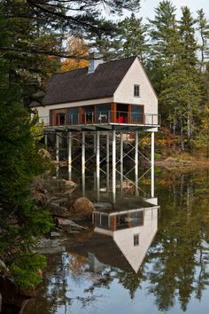 Pond House is an exquisite summer cottage inspired by local fishing shacks and wharf buildings dotting the coast of Mount Desert Island, Maine, designed by Elliott + Elliott Architecture. Rustic Exterior, Exterior Design, Cottage Exterior, Residential Architecture, Architecture Design, Mount Desert Island, Cabins And Cottages, Cabins In The Woods, Beautiful Homes