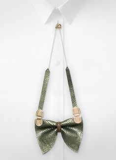 Bow tie necklace N°1