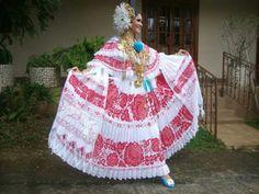 Classic Pollera - Elena del Pilar Tomas Cerrud, reina de Calle Arriba de Las Tablas 2014