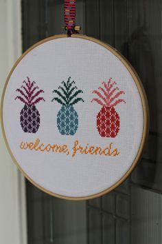 welcome friends free pineapple cross-stitch pattern