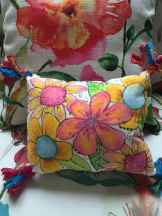 fun video tutorial on how to make a whimsical mixed media flower pillow using Faber-Castell Gelatos® Muslin Fabric, Fabric Art, Fabric Crafts, Sewing Crafts, Sewing Projects, Paint Fabric, Fabric Painting On Clothes, Painted Clothes, Pillow Fabric
