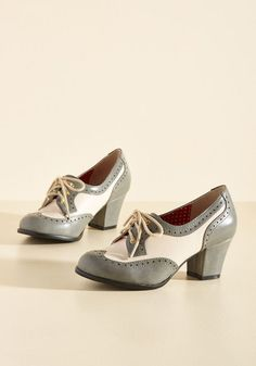 1930s Style Shoes Oxford Comment Heel in Stone $71.99 AT vintagedancer.com