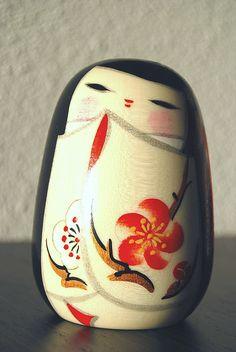 Sousaku Kokeshi girl with blossom kimono by Otomodachi, via Flickr