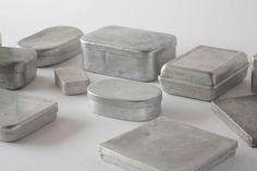 Naked shapes, exposition au Domaine de Boisbuchet, Objets en aluminium recyclé après-guerre Japon