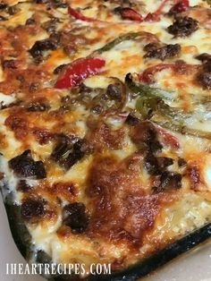 A non traditional lasagna recipe made Philly Cheesesteak Style! Loaded with tender steak peppers onions ricotta over 5 cheeses AND a creamy homemade sauce! Recently I asked my readers to pick Cheesesteak Recipe, I Heart Recipes, Traditional Lasagna, Tender Steak, Homemade Sauce, Homemade Breads, Casserole Recipes, Lasagna Recipes, Casserole Dishes