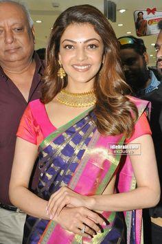 South Indian Actress, Beautiful Indian Actress, Beautiful Actresses, Indian Beauty Saree, Indian Sarees, Silk Sarees, New Saree Designs, Long Indian Hair, Wedding Silk Saree