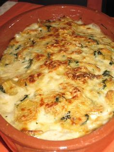 Delicacy of the Goddesses: Codfish au gratin with shrimp ( Portugal ) Brazillian Food, Cod Fish Recipes, Fish Dinner, Portuguese Recipes, Portuguese Food, Home Food, My Favorite Food, Food Inspiration, Food And Drink