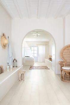 Comfy Bohemian Bedroom Ideas for Your Apartment « Home Decor Dream Home Design, Home Interior Design, Interior Architecture, Interior And Exterior, House Design, Bedroom Flooring, Deco Design, Home Decor Bedroom, Bedroom Ideas