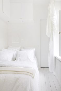 all white everything #bedroom