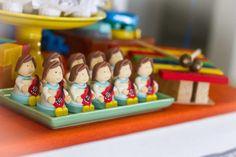 Festa Palavra Cantada | Macetes de Mãe Birthday, Diy Home, Colorful, Craft Ideas, Kids Part, 1 Year, Birthdays, Dirt Bike Birthday, Birth Day