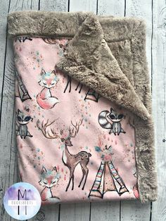 Pretty Woodland Minky Baby Blanket - Crib Blanket - Twin Blanket Gorgeous golds, rose, and silver tones. Perfect for a baby shower or for your own little one. Brand new heathered quartz minky backing. Easy Baby Blanket, Minky Baby Blanket, Baby Girl Blankets, Kids Blankets, Stroller Blanket, Quilt Baby, Diy Bebe, Baby Blog, Baby Decor