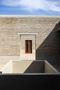 _ Architects: Studio Mumbai Location: Ahmedabad, India Year:2014 Photographs: Bijoy Jain  _          +