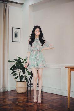 milkcocoa Simple Dresses, Beautiful Dresses, Nice Dresses, Cute Fashion, Girl Fashion, Fashion Outfits, Korean Street Fashion, Asian Fashion, Women With Beautiful Legs
