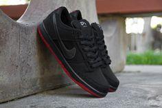 Levi's x Nike SB Dunk Low Premium.