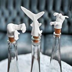 Flaschenverschluss aus Porzellan // Corks with porcellain animals by neostars via DaWanda.com
