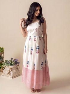 Stylish Dresses For Girls, Stylish Dress Designs, Designs For Dresses, Casual Dresses, Girls Frock Design, Long Dress Design, New Designer Dresses, Indian Designer Outfits, Indian Gowns Dresses