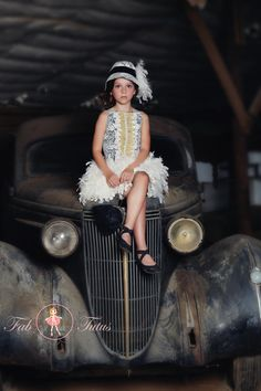 """20-ies inspired wedding - Great Gatsby style - """"Virginia"""" dress in ivory and black - """"Flapper Girls"""" Collection"""