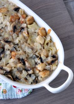 Everyday Reading: Cheesy Chicken and Tortellini Casserole.  Maybe try broccoli instead of mushrooms?