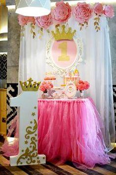 65 ideas for birthday girl princess 1st Birthday Party For Girls, Baby Birthday, 1st Birthday Parties, Royal Baby Party, Pink Gold Party, Prince Birthday, Diy Birthday Decorations, 1st Birthdays, Princess Party