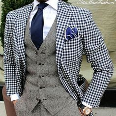 A check blazer is a stylish jacket that every man should have in his wardrobe. Check this guide on how to wear a check blazer like a pro. Der Gentleman, Gentleman Style, Sharp Dressed Man, Well Dressed Men, Mens Fashion Suits, Mens Suits, Men's Fashion, Moda Do Momento, Checked Blazer