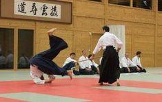 21 Vereinsmitglieder haben Ende November 2017 erfolgreich Ihre Aikido Kyu Prüfungen abgelegt. Die Prüfungen fanden am Montag, 27. November 2017 im Budokan Wels, am Dienstag, 28. November 2017 in Kremsmünster und am Mittwoch, 29. November 2017 in Walding statt.Jodori