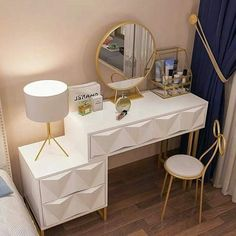 Gold Bedroom Decor, Bedroom Decor For Teen Girls, Room Design Bedroom, Bedroom Furniture Design, Room Ideas Bedroom, Dressing Table Design, Beauty Room Decor, Home Design Living Room, Study Room Decor