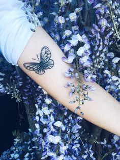 Butterfly Tattoo ✨ Original Picture from I N S T A G R A M: @iris_reeves P I N T E R E S T: @indepencia