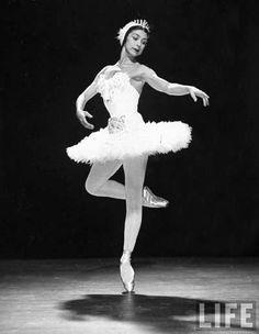 Margot Fonteyn-My favorite ballerina!