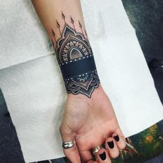 "⠀⠀⠀⠀⠀⠀⠀⠀⠀⠀⠀⠀⠀⠀⠀⠀ᴛɪᴀɴᴀ ғʟᴇsʜᴍᴀɴ on Instagram: ""Now that's how you do a cover up tattoo @jbuck707 you're dope, thank you. Sonoma county people hit him up! #tattoo #henna #mandala #coveruptattoo #nopainnogain #stoked #bayarea #santarosa #sonomacounty #sanfrancisco #westcoastbestcoast #norcal"""