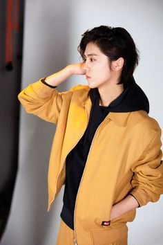 Happy Pictures, Beautiful Pictures, Rain Jacket, Windbreaker, Raincoat, Actors, Collection, Luhan Exo, Big Three