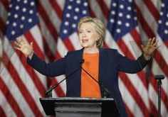 """Hillary Clinton criticó el temperamento de Donald Trump y su experiencia en política exterior en un duro discurso que dio el jueves, en el que declaró que """"no podemos permitir que tire los dados con Estados Unidos"""". Durante un discurso desde San Diego, California, la ex Secretaria de Estado se fue contra el que […]"""