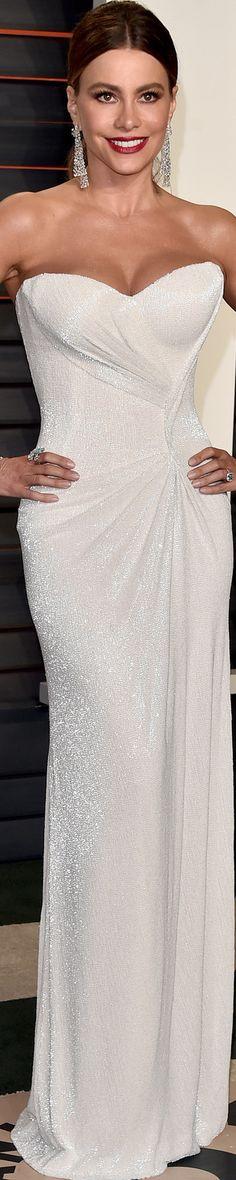 Rosamaria G Frangini | White Desire | [all things white] kg. Soffia Vergara 2016 Vanity Fair Oscar Party