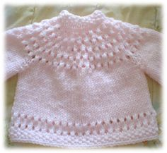 Ravelry: Pretty Baby Sweater pattern by Lisa Vienneau Free Baby Sweater Knitting Patterns, Knit Baby Sweaters, Knitting For Kids, Knitting Designs, Baby Patterns, Knit Patterns, Free Knitting, Baby Knits, Diy Accessoires