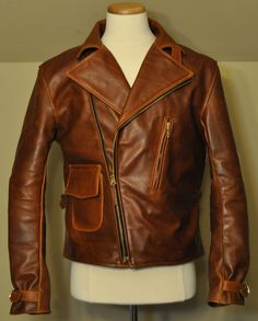 We offer the best collection of Custom Made Leather Jackets for men. Our mens leather jackets are made according to the measurements provided by our clients. Biker Leather, Leather Men, Cowhide Leather, Brown Fashion, Mens Fashion, Best Leather Jackets, Cool Jackets, Men Looks, Captain America