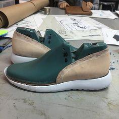 Taking slow steps  #industrialdesign #productdesign #productsketch #footweardesign #footwearsketch #shoedesign #shoesketch #nike #rosche #adidas #handmade #art #design #illustration #oxfords