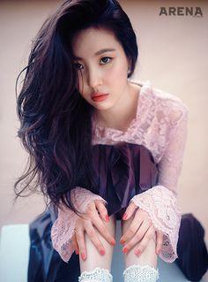 Sunmi Looks Beautiful in Her Photos for 'Arena Homme Plus' South Korean Girls, Korean Girl Groups, Korean Actresses, Actors & Actresses, Lee Sun, K Pop Star, Korean Celebrities, Queen, Korean Singer