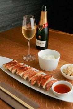 パリ「Gyoza Bar」のワインに合う餃子
