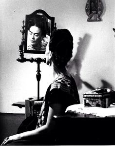 """A """"prettier"""" adaptation of Frida Kahlo's self-portrait has been circulating the internet. Frida's iconic look has been appropriated ever s… Diego Rivera, Natalie Clifford Barney, Frida E Diego, Frida Art, Fridah Kahlo, Kahlo Paintings, Mexican Artists, Portraits, Michael Phelps"""